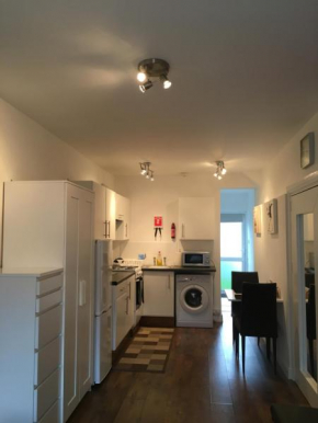 Self-contained Studio Apartment close to London City, Northolt