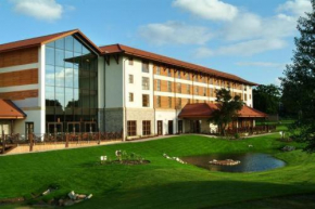Chessington Hotel, Chessington